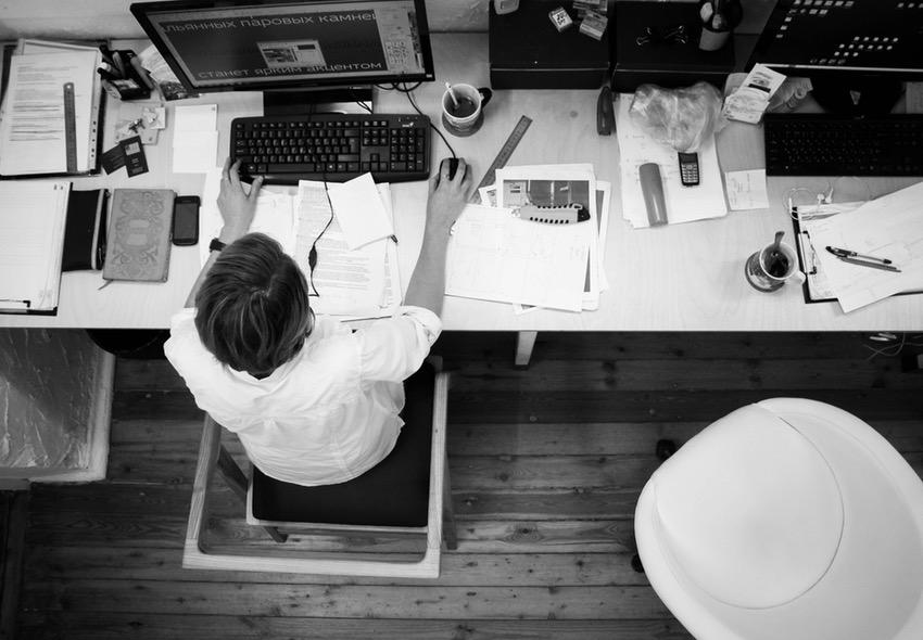 ¿Se puede estudiar Ingeniería Electrónica y trabajar a la vez?