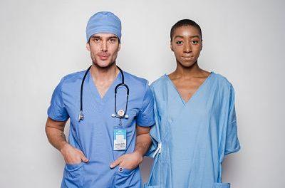 ¿Cuánto gana un Enfermero en Estados Unidos EN 2021?